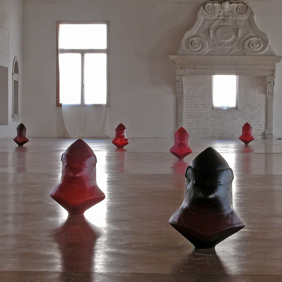 """""""Mala Tempora Currunt"""", testo critico di Saramicol Viscardi, 2007, ita"""